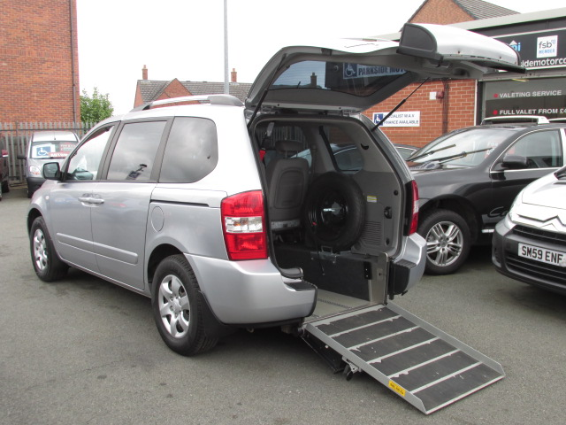 Wheelchair accessible Kia Sedona WAV